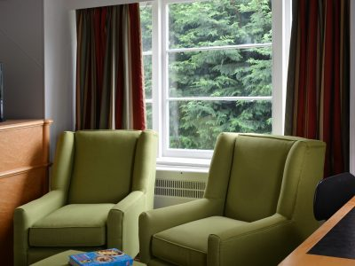 DSC_7879 unit 281 living room